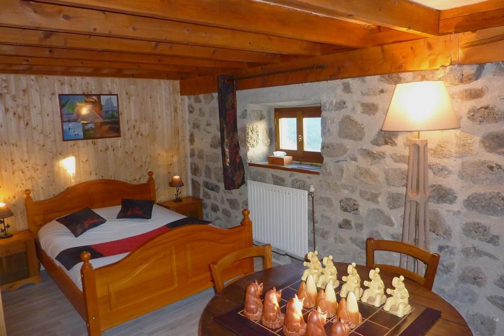 Chambre d 39 h te familiale de charme en ardeche tout confort - Chambre d hotes familiale ...